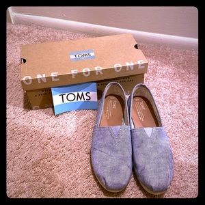 EUC Toms Slate Blue Washed Twill Shoes